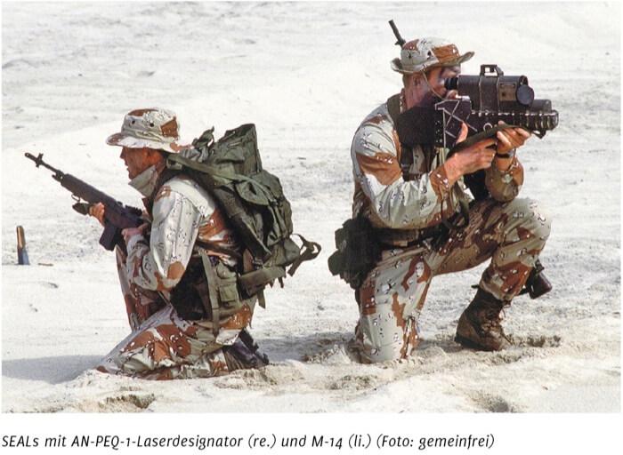 SEALs-mit-AN-PEQ-1-Laserdesignator-und-M-14